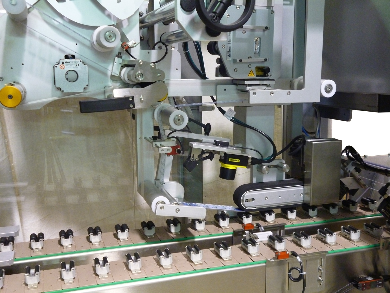 Sistema di etichettatura automatico per l 39 applicazione su for Sistema di irrigazione automatico