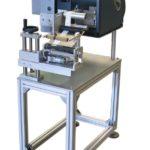 Etichettatrice semi-automatica serie PRX con unità di stampa Datamax per flaconi e prodotti cilindrici