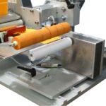 Etichettatrice semi-automatica per applicazione su tubi vuoti per cosmetici