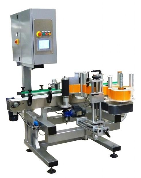 Sistema di etichettatura per applicazione su contenitori cilindrici con orientamento etichetta